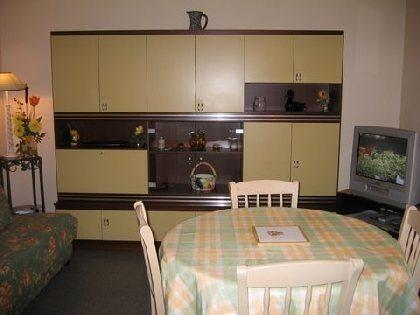 cuisine / séjour, M. et Mme. Robert et Laurette BRIS