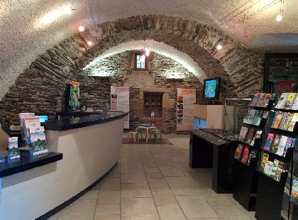 Office de Tourisme Terres d'Aveyron, bureau d'Information Touristique d'Estaing, Office de Tourisme Estaing