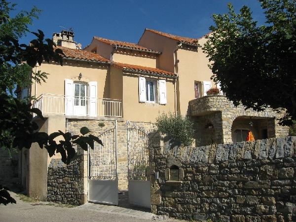 Gîtes des rochers - A L'Oustal - AYGG55