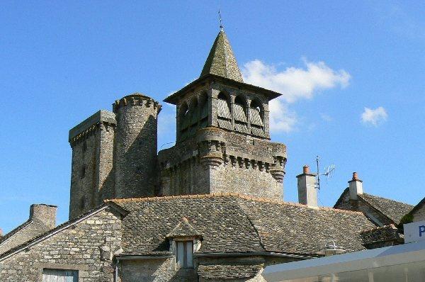 Eglise fortifiee de sainte radegonde tourisme aveyron - Office du tourisme ste mere eglise ...