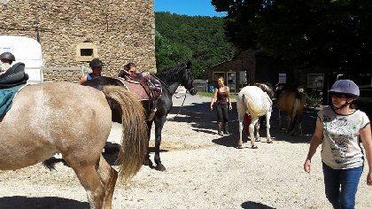 Les Ecuries de Bannes - Centre Equestre, OFFICE DE TOURISME DE PARELOUP LEVEZOU