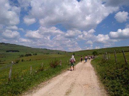topoguide de randonnées pédestres, OFFICE DE TOURISME INTERCANTONAL SAINT GENIEZ  / CAMPAGNAC