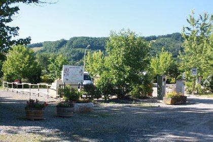Aire de services municipale de camping-car à Sainte Eulalie d'Olt