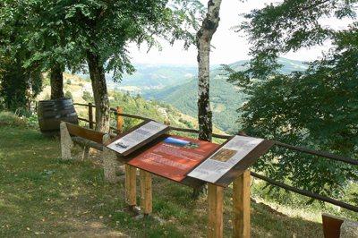 Circuit de découverte au Fel, OFFICE DE TOURISME DU CANTON D'ENTRAYGUES SUR TRUYERE