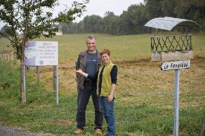 Visite de ferme au Favaldou. Le Veau d'Aveyron et du Ségala Label Rouge., OFFICE DE TOURISME DU REQUISTANAIS
