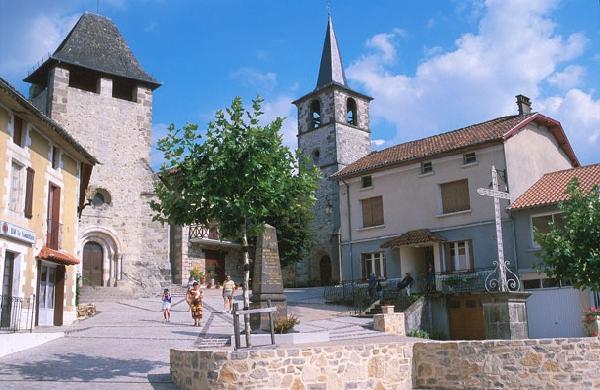 Saint Santin : Le Village double