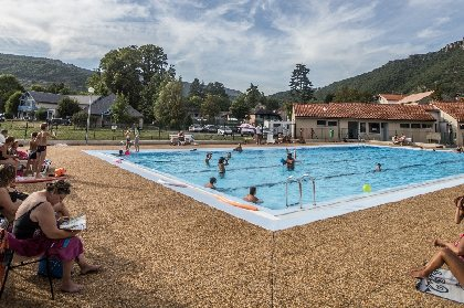 Piscine de Nant, OFFICE DE TOURISME LARZAC VALLEES - CP Greg Alric