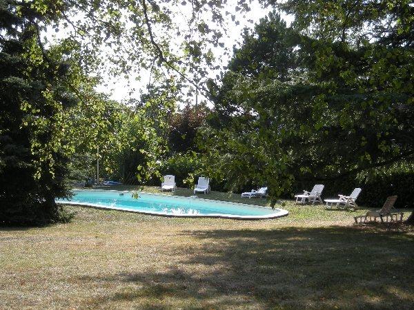 L 39 oustal ch141 tourisme aveyron for Capdenac piscine
