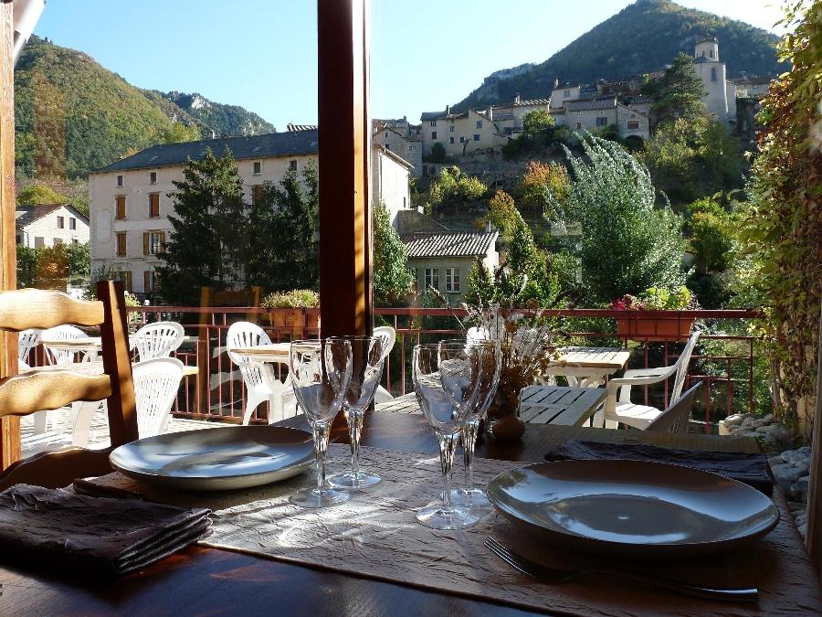 Hôtel Doussiere - Restaurant l'Alicanta