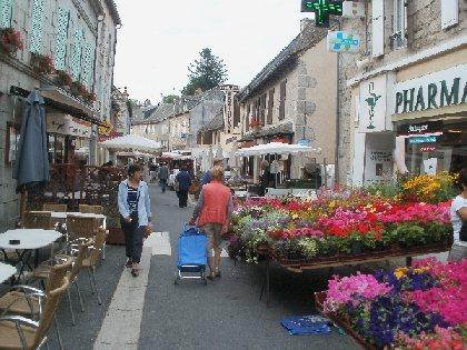 Marché traditionnel de Ste Geneviève sur Argence