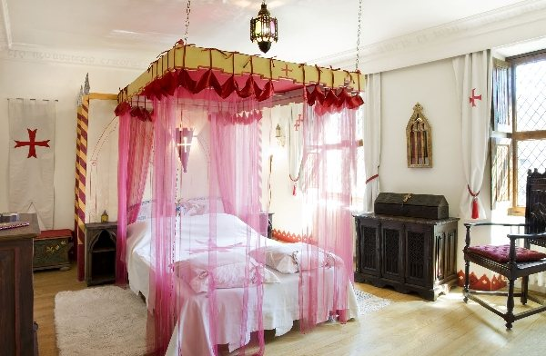 la tour mors lion tourisme aveyron. Black Bedroom Furniture Sets. Home Design Ideas