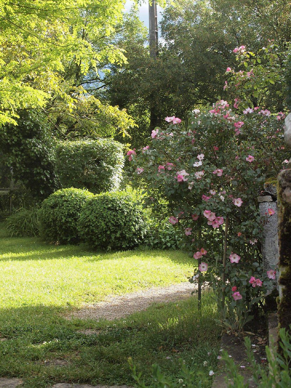 Le mas de laval tourisme aveyron for Jardin 7 17