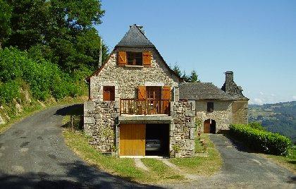 Gîte de Castailhac 5 personnes, OFFICE DE TOURISME DU CANTON D'ENTRAYGUES SUR TRUYERE