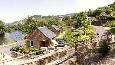 Parc résidentiel de Loisirs Le Bastié, OFFICE DE TOURISME DU CANTON D'ENTRAYGUES SUR TRUYERE