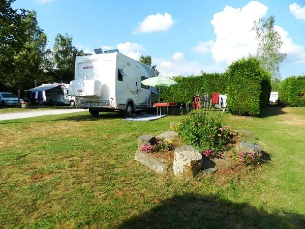 Camping municipal les monts d 39 aubrac laguiole camping tourisme aveyron - Laguiole office du tourisme ...