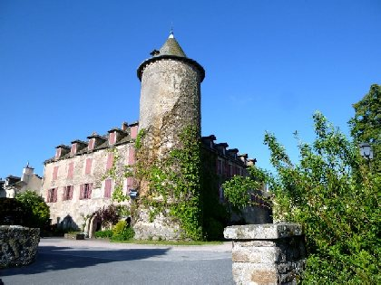 Château des évêques, OFFICE DE TOURISME DE SALLES CURAN - PARELOUP