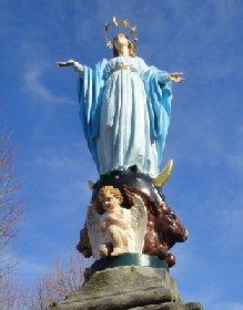 Statue de la Vierge du Village, OFFICE DE TOURISME DE SALLES CURAN - PARELOUP