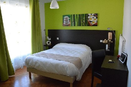HOTEL DE FRANCE, OFFICE DE TOURISME INTERCANTONAL SAINT GENIEZ  / CAMPAGNAC