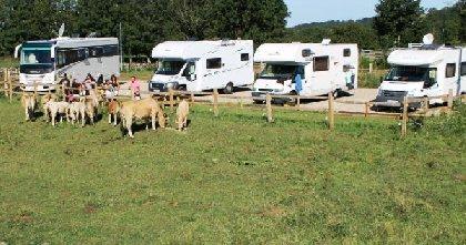 Aire de Camping cars à la Ferme La Montagnette