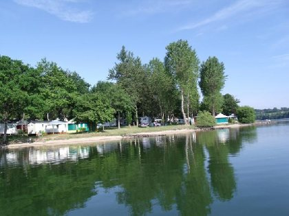 Camping St-Etienne - Lac de Villefranche de Panat