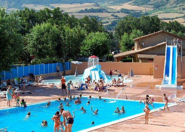 Camping du viaduc tourisme aveyron for Camping gorge du tarn avec piscine
