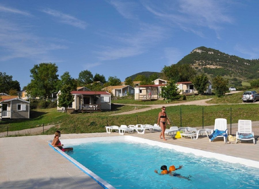 Val st georges tourisme aveyron for Piscine saint georges
