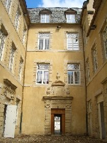 Visite guidée de St Geniez d'Olt (groupes)