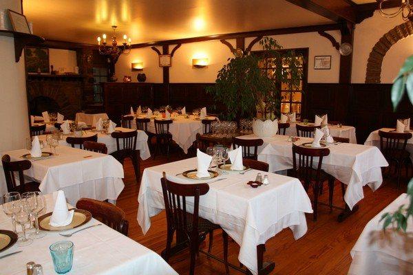 Hotel Restaurant Les Voyageurs Pont De Salars