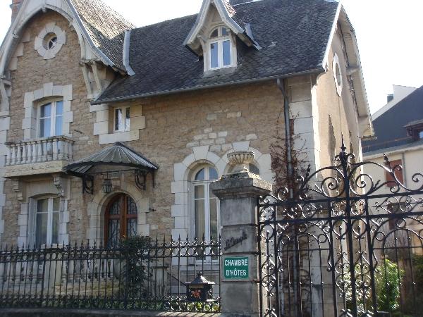 Le Temple - Bernard et Julienne Morin - H12H007268