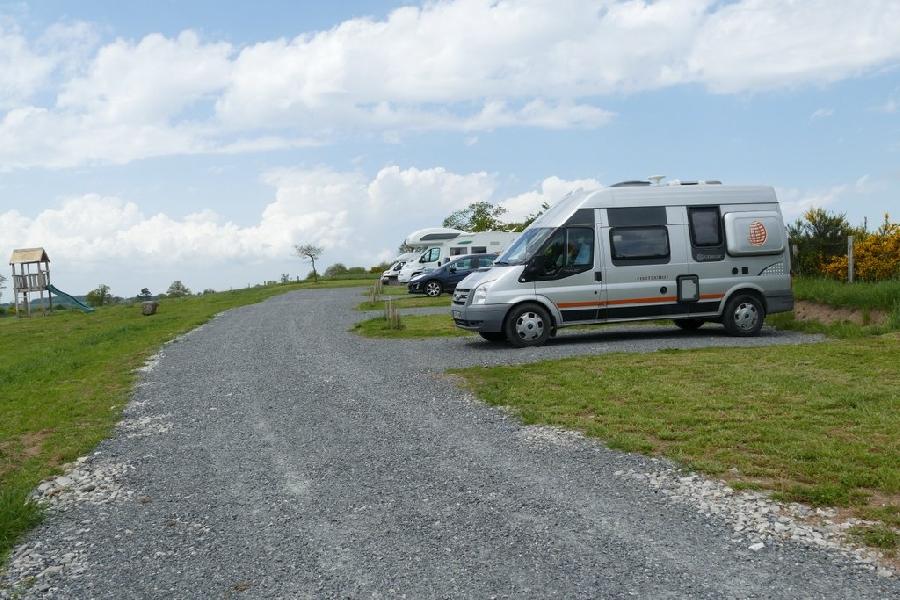 Aire de camping-car : 6 emplacements à la ferme