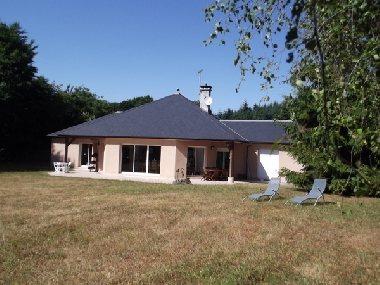 Domaine des Claux, OFFICE DE TOURISME DE PARELOUP LEVEZOU