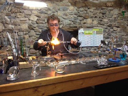 F'Estivales du Lot à l'Aubrac : Démonstration de Yann, le souffleur de verre