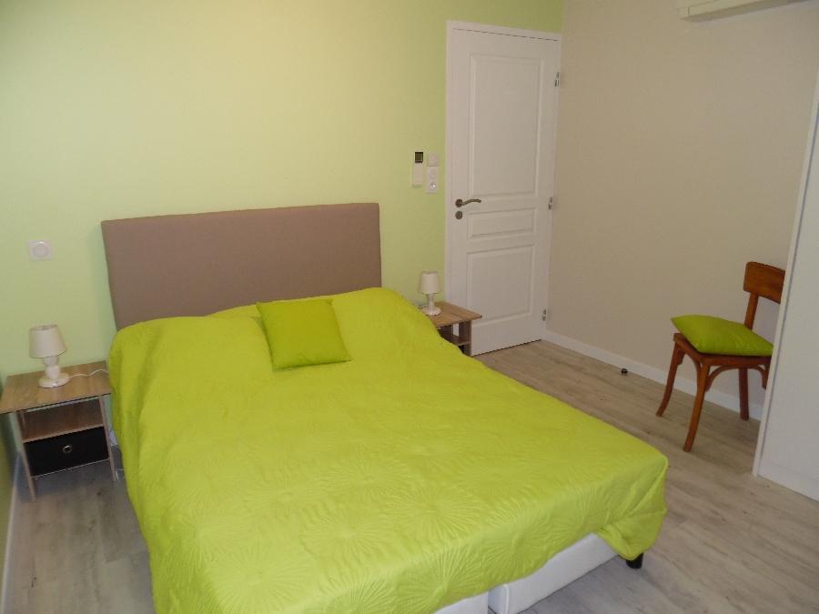 Chambre avec lit en 140 et possibilité lit bébé