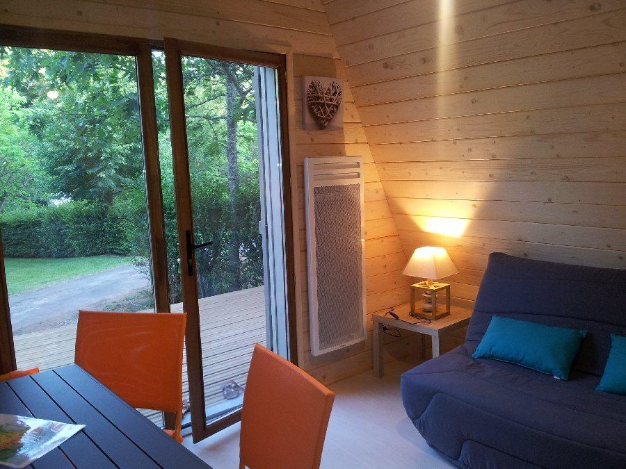 tipis en bois de brommat tourisme aveyron. Black Bedroom Furniture Sets. Home Design Ideas