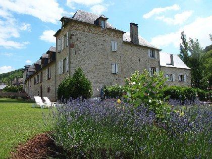 La demeure du Comte à Cougousse, OFFICE DE TOURISME de CONQUES-MARCILLAC
