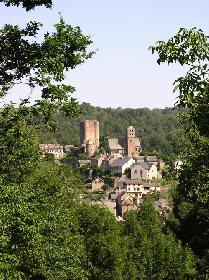 Donjon du Château et village fortifié de Calmont