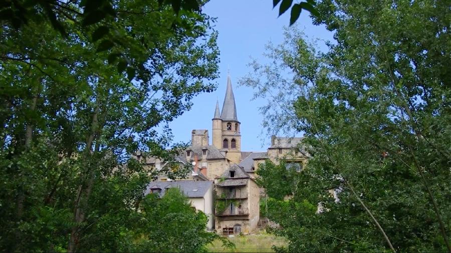 Le GR®65 - Le chemin de Saint-Jacques de Compostelle : Étape n° 2 : Saint-Côme-d'Olt – Estaing