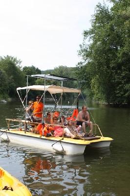 Escapade guidée en Bateau électrique sur le lac de Castelnau-Lassouts-Lous